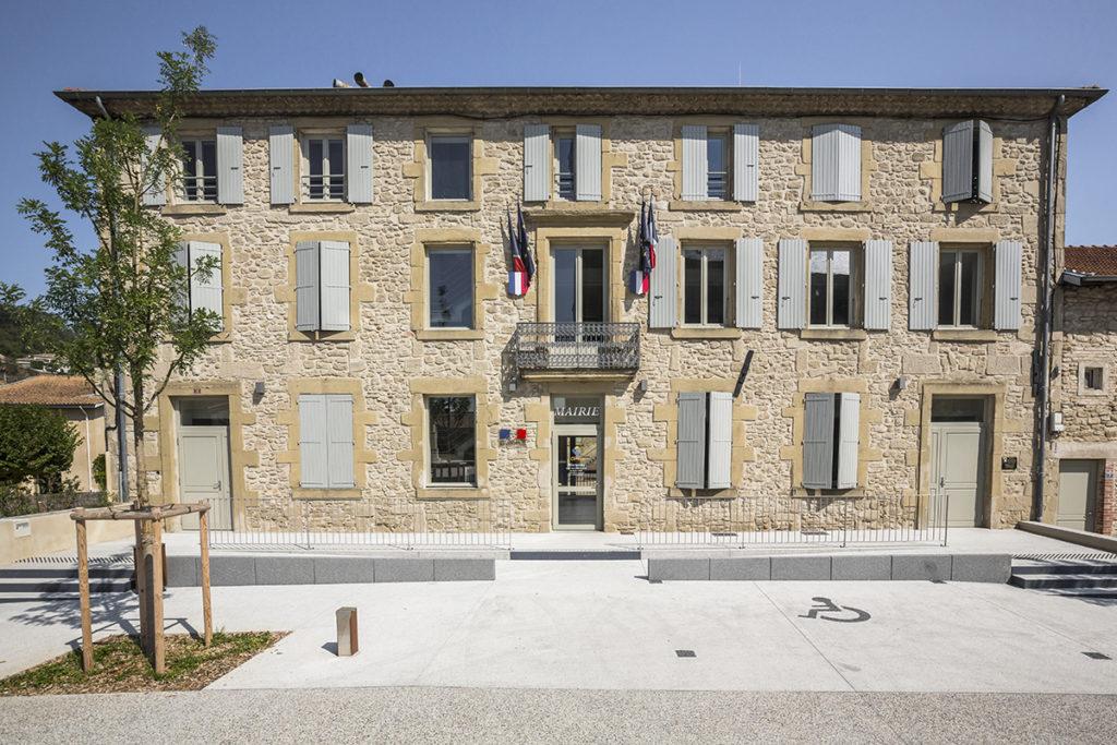 2019 - Mairie et place communale de Clérieux (Drôme)