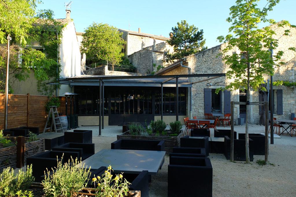 2013 - Bar-restaurant à Saint-Restitut (Drôme)
